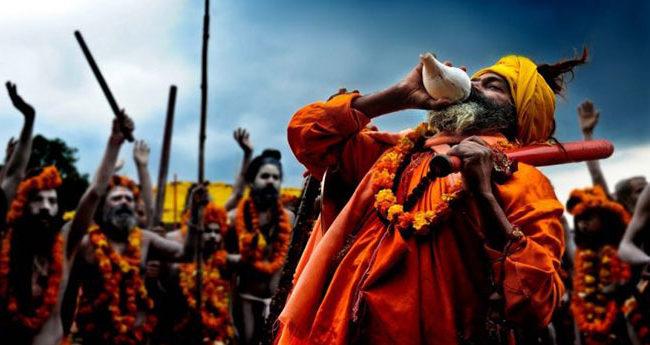 kumbha-mela-2019-sadhu