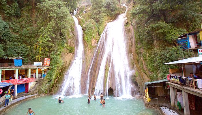 Kempty-Falls-Mussoorie-Uttarakhand