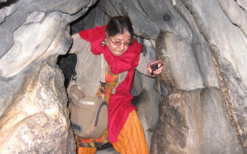 mawsmai cave in cherrapunji india