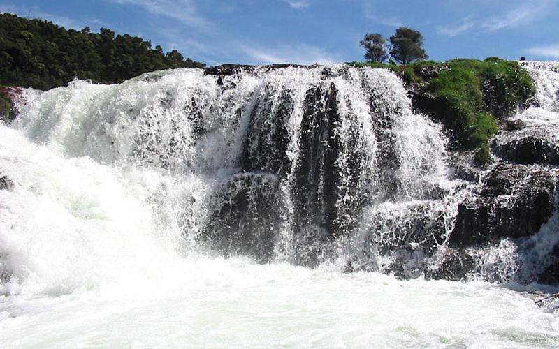 pykara falls in ooty india