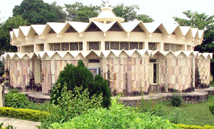 Jain-Museum-Khajuraho-madhya-pradesh-india-tour