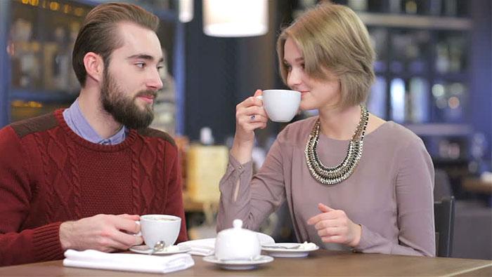 enjoy-coffee-at-united-coffee-house-new-delhi