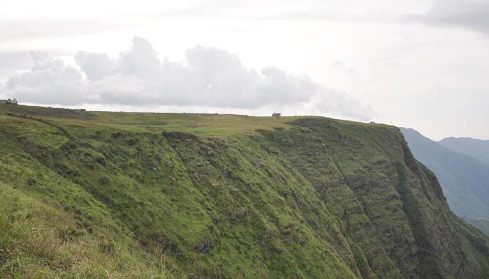 laitlum-canyons-india