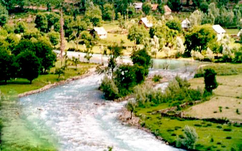 nilagrad-river-sonamarg-india
