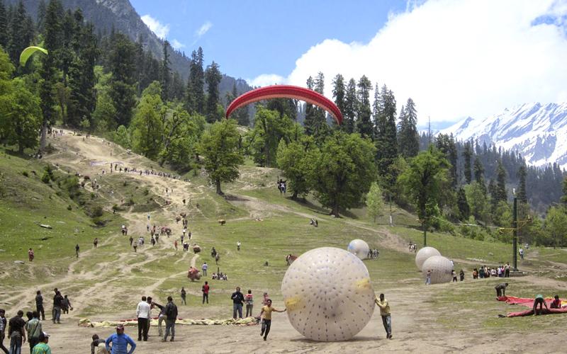 paragliding-in-kullu-india