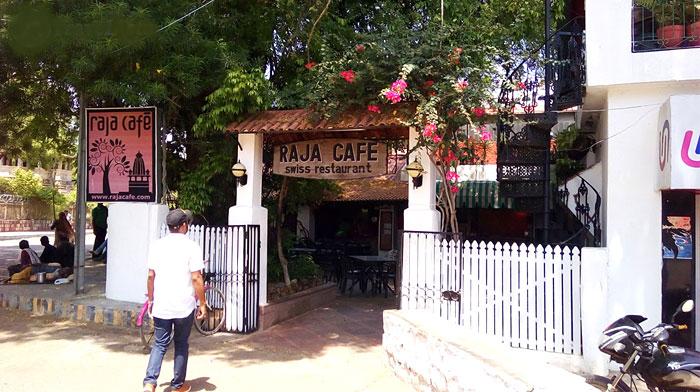 raja-cafe-khajuraho