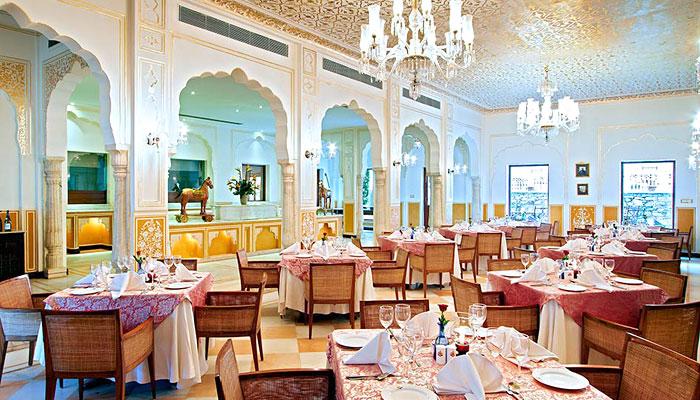 samode-palace-dining