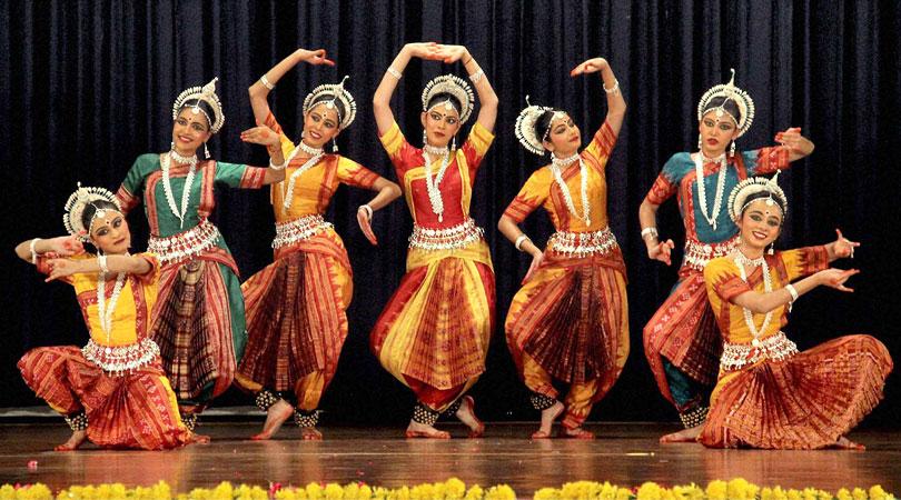 india-dancing
