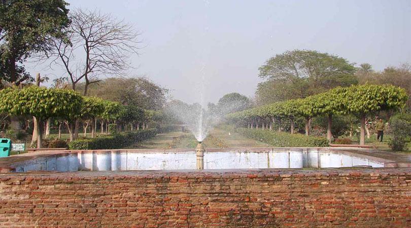 mehtab-bagh-fountain-Agra