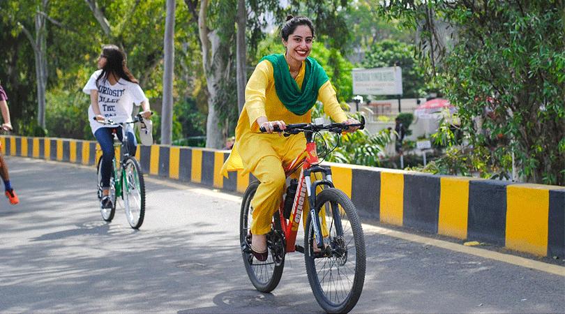 cycling-at-vembanad-house-kerala