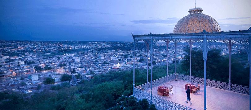 unique-dining-at-taj-falaknuma-palace