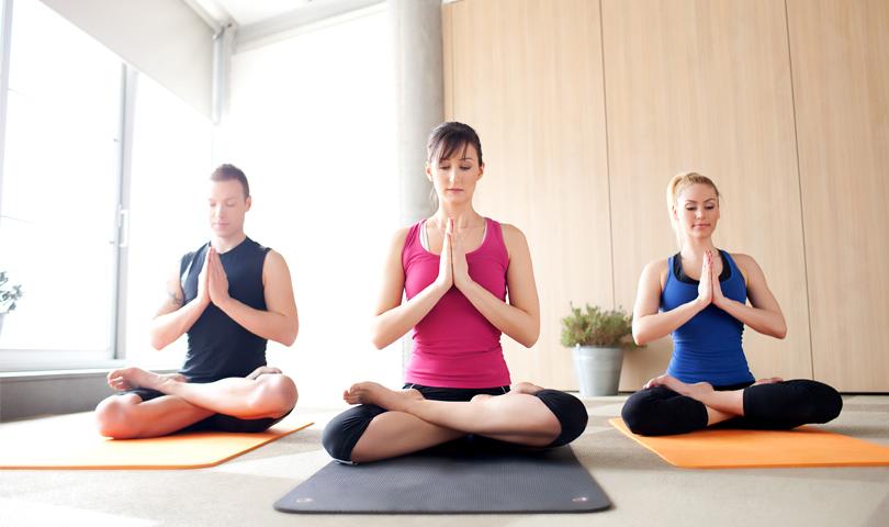 yoga-at-alsisar-mahal