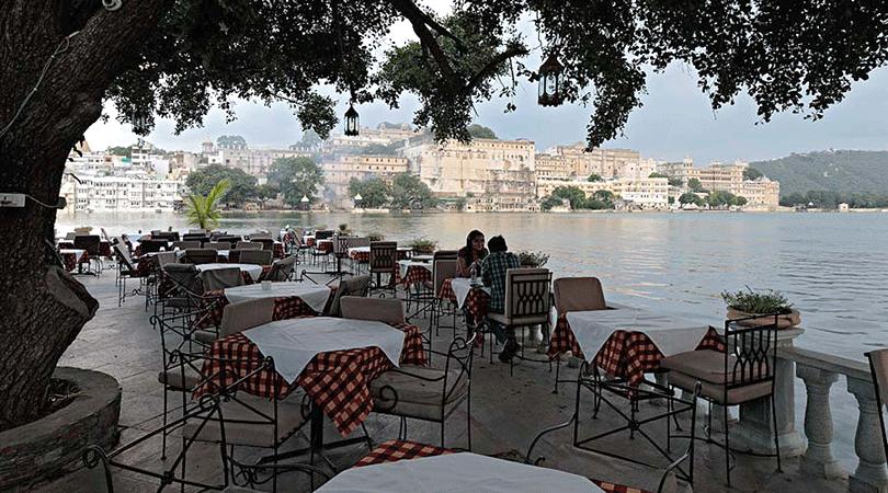 hotel-amet-haveli-ambrai-restaurant-udaipur-rajasthan