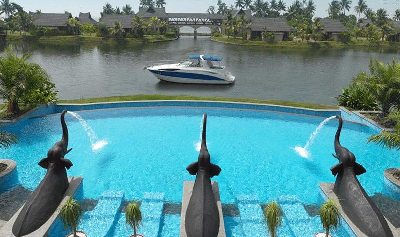 Kumarakom Lake Resort Kerala