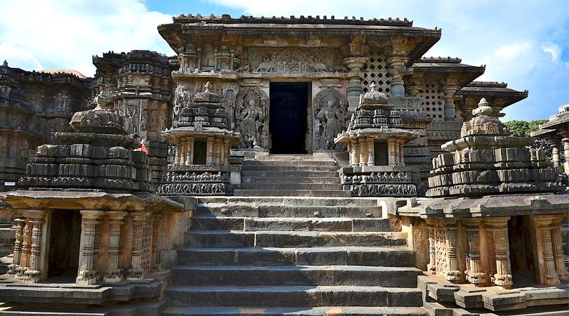 belur-halebeedu-temples