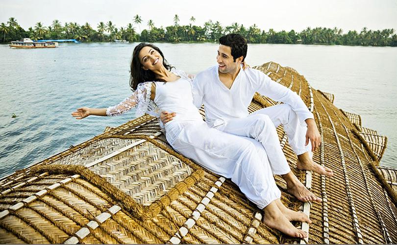 relaxing-on-the-backwaters-kerala
