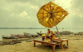 Reader at Ganges   River
