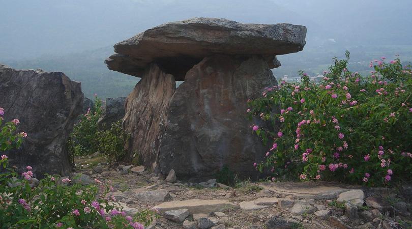 attala-rock-shelter-india