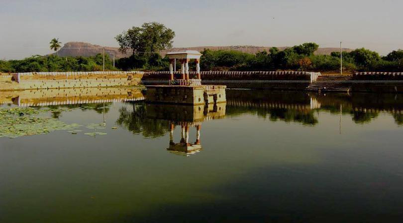 pazhamudhir-solai-india