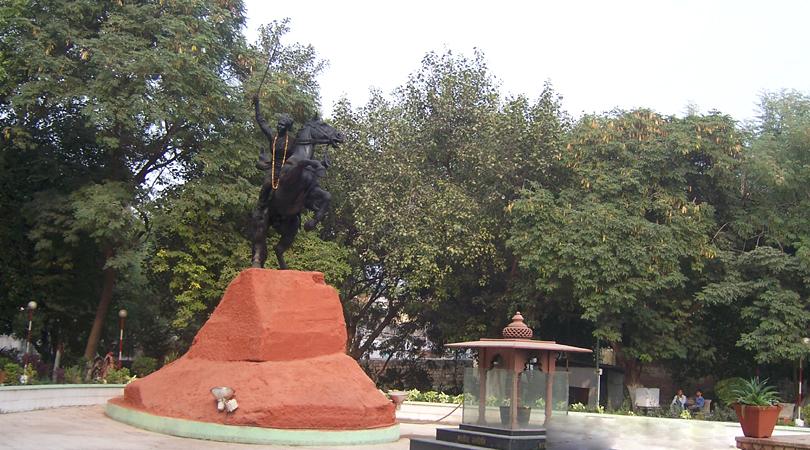 samadhi-of-rani-lakshmi-bai