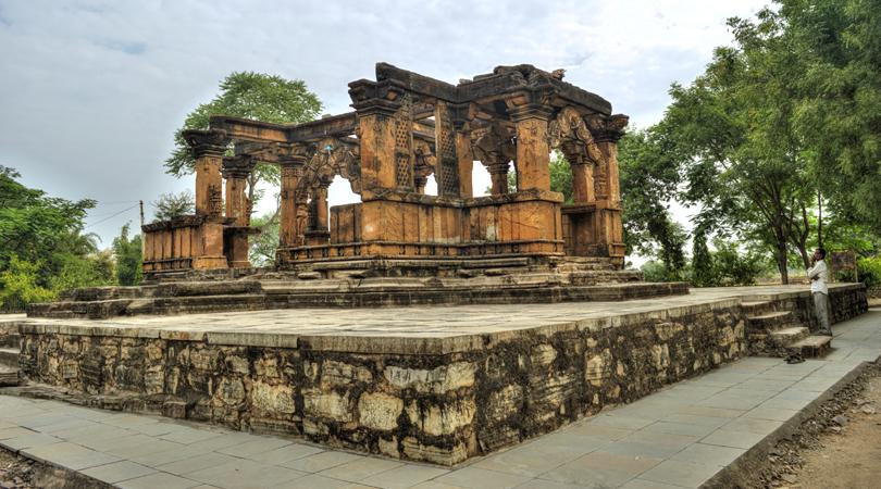 nava-toran-temple-india