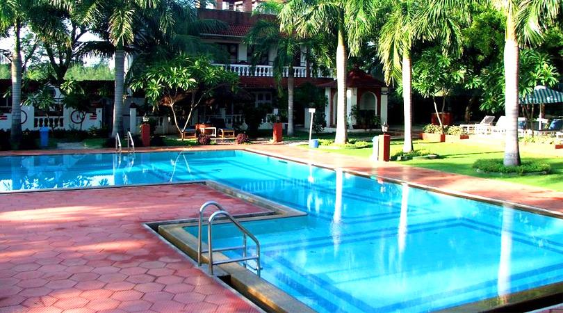 ideal-beach-resort-swimming-pool