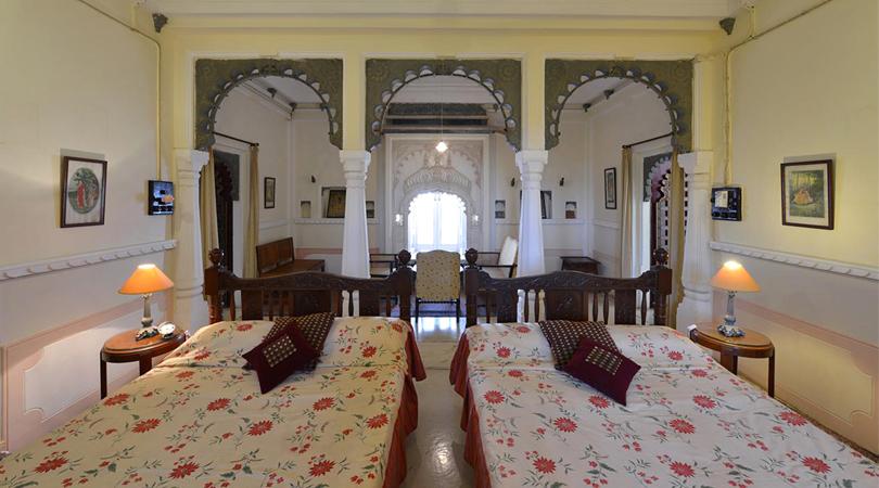udai-bilas-palace-rooms