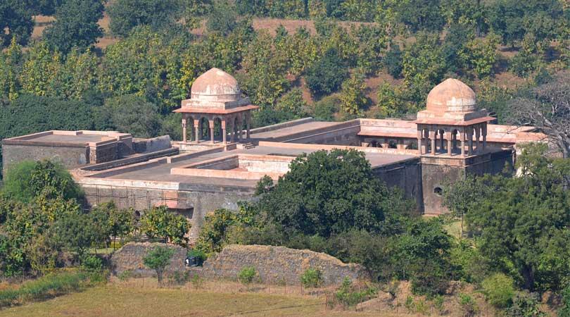 baz-bahadurs-palace-mandu