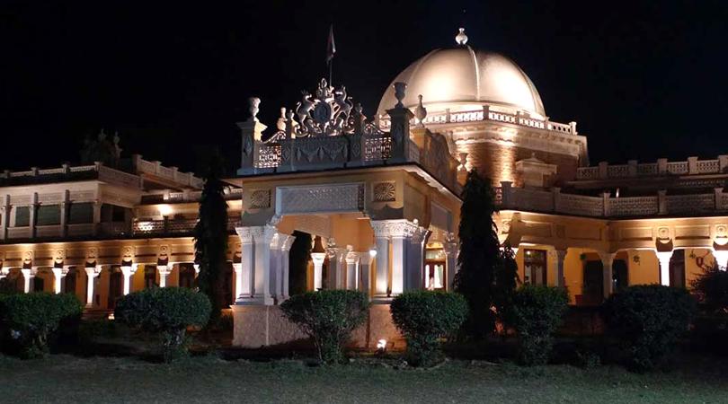 kawardha-palace-kanha
