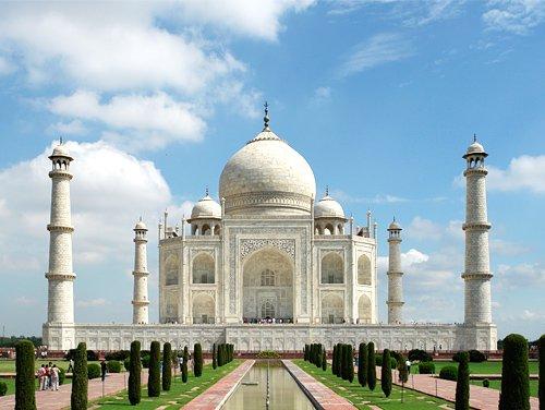 pushkar-camel-fair-with-taj-mahal