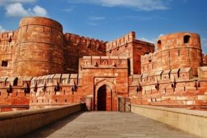 Agra-fort-varanasi-tour-1